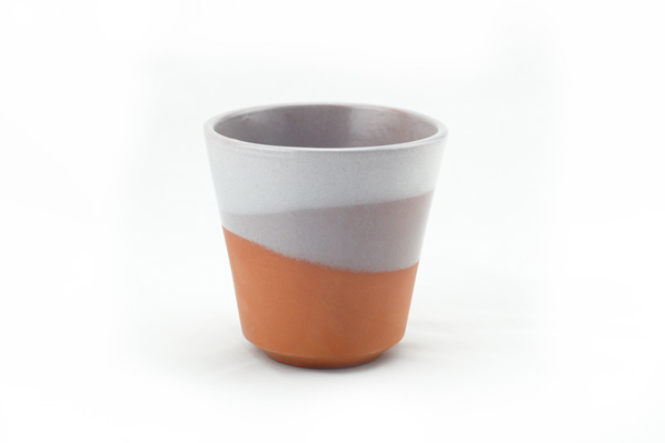 vaso de barro decorado gris