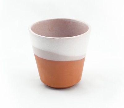 vaso de barro decorado en blanco